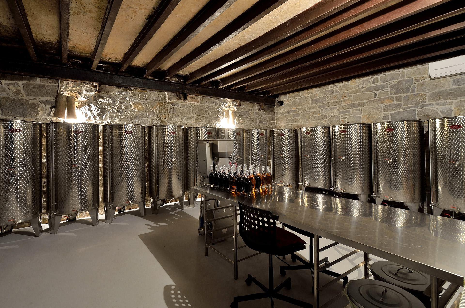Aura Brennerei Destillerie
